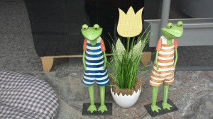 get quirky graduate andreas found these quirky frogs on a wander in germany