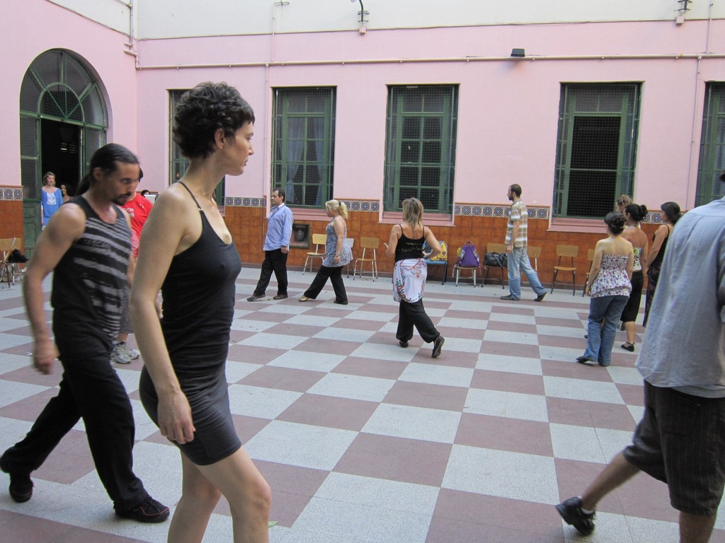Practicing the catlike tango walk with the psicotango community